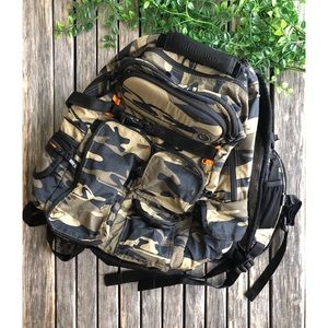 LULULEMON Cruiser Backpack in Camo